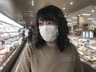 マスク着用 女性の写真・画像素材[3252547]
