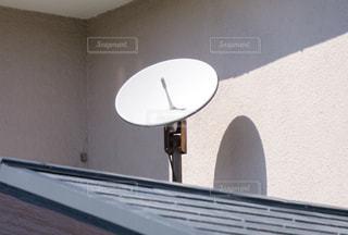 衛星アンテナ 屋根の写真・画像素材[3303234]