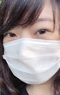 マスク着用 女性の写真・画像素材[3357595]