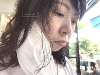 マスクを外した女性の写真・画像素材[3361033]