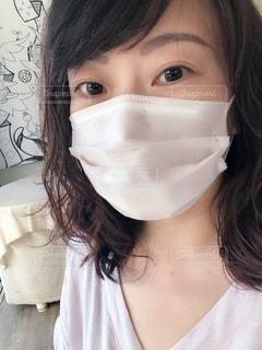 マスク着用 女性の写真・画像素材[3361039]