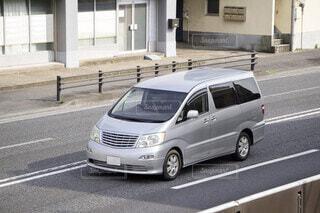 ワンボックスカー ミニバンの写真・画像素材[3619717]