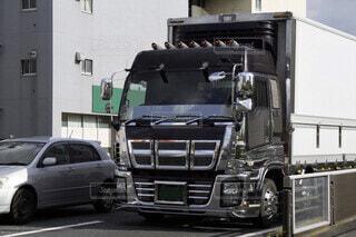大型キャブオーバートラックの写真・画像素材[3630666]