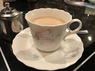 たっぷり牛乳を入れたモカコーヒーの写真・画像素材[3699606]