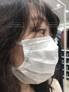 マスク着用の女性の写真・画像素材[3769499]