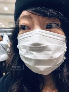 マスク着用の女性の写真・画像素材[3794124]