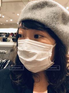 マスク着用の女性の写真・画像素材[3794127]