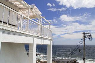 海辺のオープンテラスの写真・画像素材[3988372]