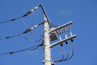 電柱と電線の写真・画像素材[4467046]