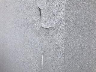 外壁にヒビの写真・画像素材[4099824]