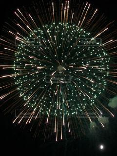 空の花火の写真・画像素材[3122809]