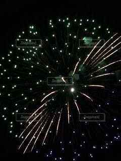 夜空の花火の写真・画像素材[3122794]