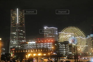 夜の都市の写真・画像素材[4035465]