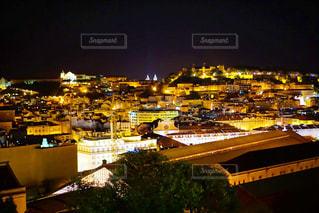 ポルトガル、リスボンの夜景の写真・画像素材[3129702]
