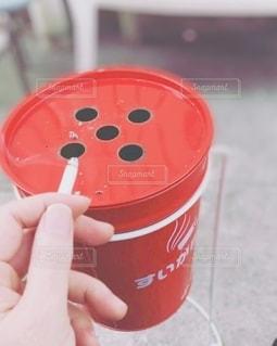 タバコと灰皿の写真・画像素材[3457358]