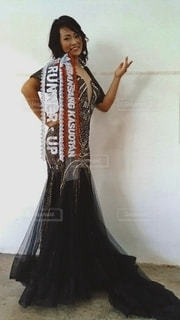 黒いドレスを着た人の写真・画像素材[3133461]