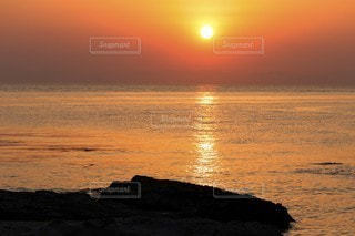夕日ビーチの写真・画像素材[3153166]