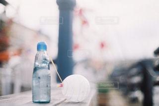 ラムネと水風船の写真・画像素材[3134688]