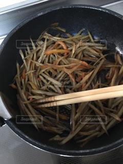 食べ物で満たされた鍋の写真・画像素材[3137680]