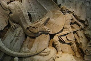 ドラゴン退治をするシグルスの写真・画像素材[3808390]