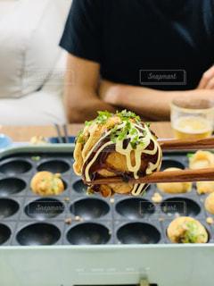 食べ物を食べている人の写真・画像素材[3138729]