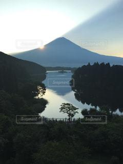 田貫湖の朝の写真・画像素材[3147257]