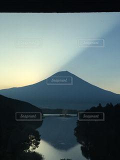 田貫湖に映る富士山の写真・画像素材[3147258]