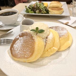 ふわふわパンケーキでお茶を〜☕️の写真・画像素材[3153308]