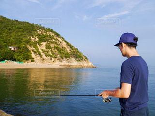 海釣りをする男性の写真・画像素材[3460957]
