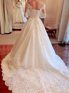 ウェディングドレスを着た人の写真・画像素材[3557777]