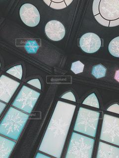 雪の結晶のステンドグラスの写真・画像素材[3151363]