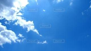 青空の雲の写真・画像素材[3172361]