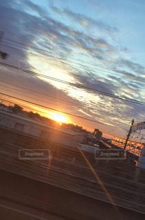 新幹線の車窓の写真・画像素材[3214392]