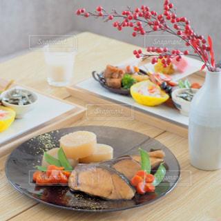 おせち料理・鰤の照り焼きの写真・画像素材[3158149]