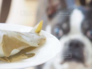 皿の上の食べ物のクローズアップの写真・画像素材[3157909]