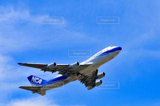 離陸する貨物機の写真・画像素材[3226000]