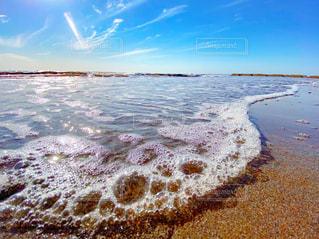 波打ち際の写真・画像素材[3203902]