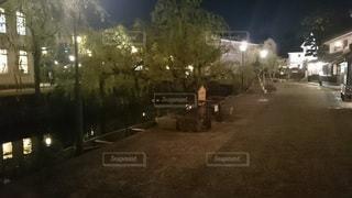 夜の通りの写真・画像素材[3165833]