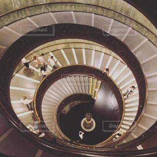 バチカン美術館のエントランス螺旋階段の写真・画像素材[3169214]