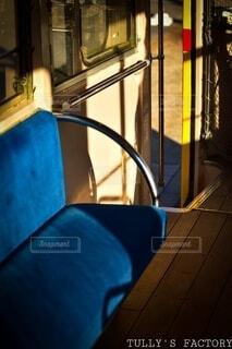 古い電車の中の写真・画像素材[3683078]