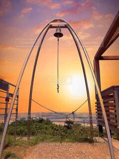 茨城県鉾田市、鹿島灘海浜公園の見晴らしの丘の鐘の写真・画像素材[4386069]