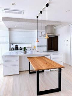インテリア ダイニングキッチン 縦位置の写真・画像素材[4549066]