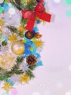 クリスマスの背景素材 縦位置の写真・画像素材[4882445]