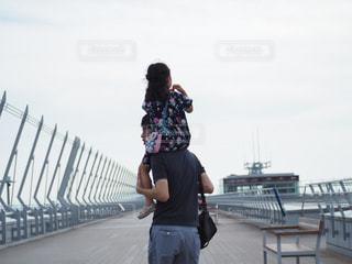 肩車、父と娘の写真・画像素材[3175350]