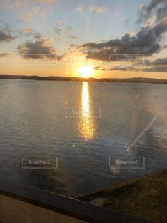 沈む夕日の写真・画像素材[3173044]