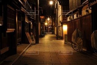 京都祇園の夜の風景の写真・画像素材[3180087]
