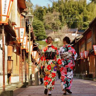 金沢ひがし茶屋街を歩く着物女性の写真・画像素材[3226752]