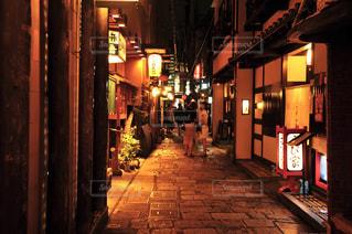 法善寺横丁の夜の風景の写真・画像素材[3284227]