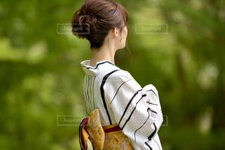 美しい浴衣女性の後ろ姿の写真・画像素材[3286592]