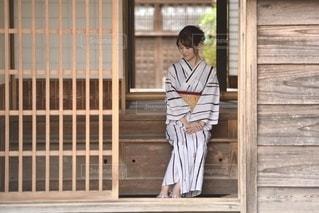 日本家屋と美しい浴衣女性の写真・画像素材[3328721]